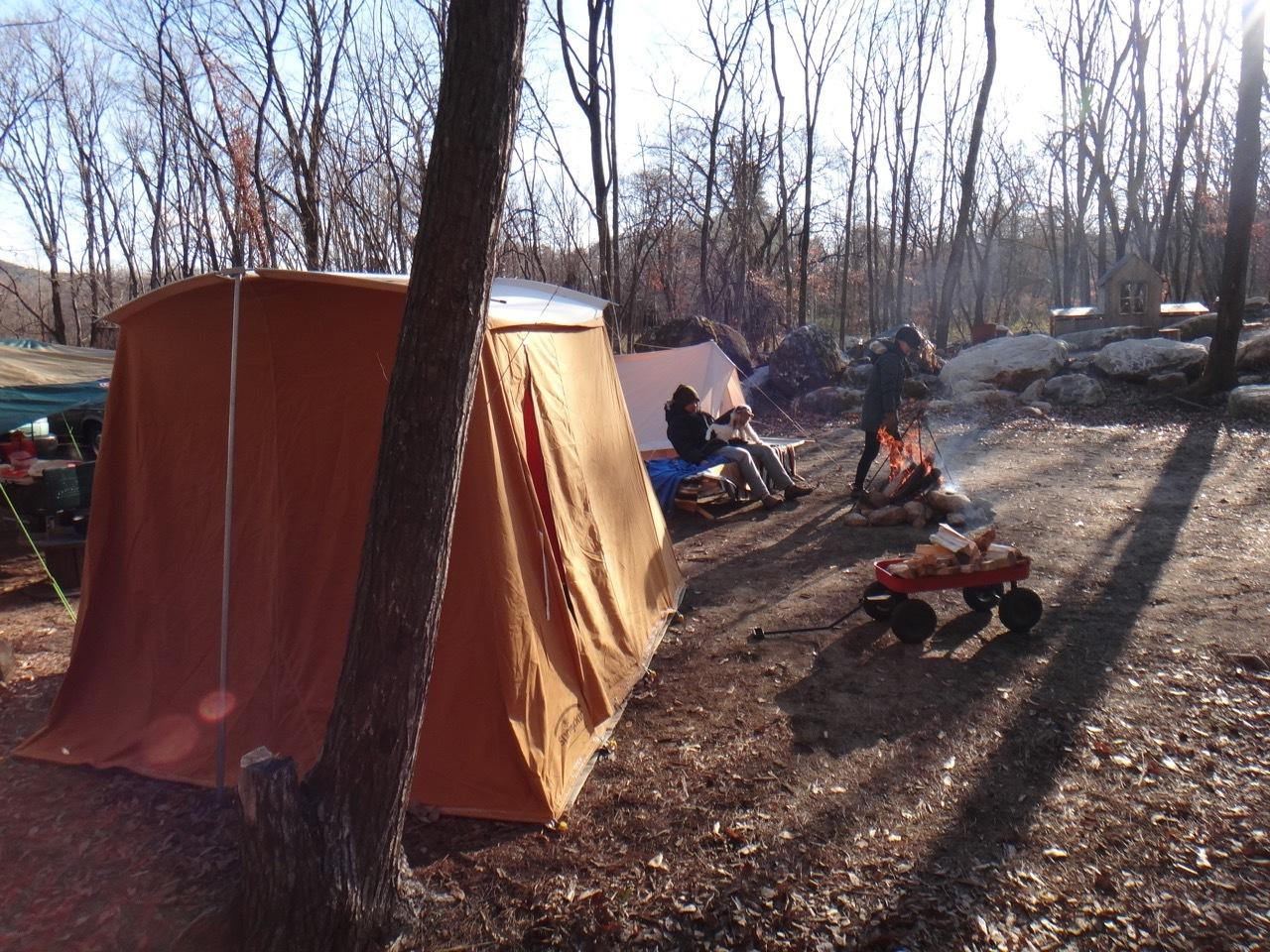 Camp  / 晴れのち雪 直火キャンプ_b0195093_15010067.jpg