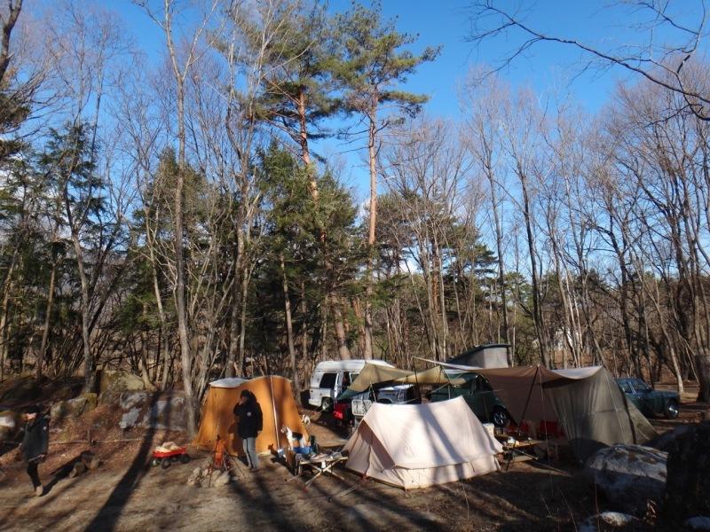 Camp  / 晴れのち雪 直火キャンプ_b0195093_15010891.jpg