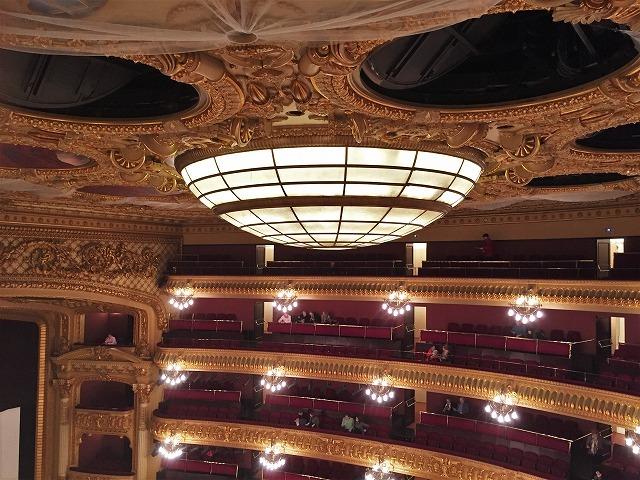 リセウ劇場でヘンデルの「ロデリンダ」を観る_b0064411_04223631.jpg
