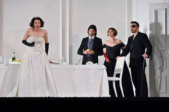 リセウ劇場でヘンデルの「ロデリンダ」を観る_b0064411_04544016.jpg