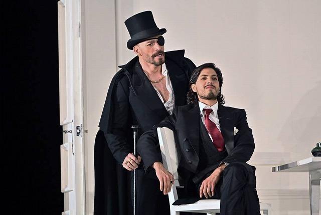 リセウ劇場でヘンデルの「ロデリンダ」を観る_b0064411_04544086.jpg
