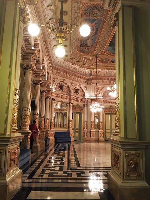 リセウ劇場でヘンデルの「ロデリンダ」を観る_b0064411_06030585.jpg