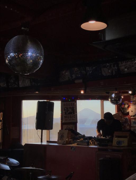 M.RUX & Martha van Straaten Japan Tour '19 4月14日 日曜 江の島CurryDiner OPPA-LA Mamazu/7eを招いてサンセットパーティー&#1_d0106911_20014161.jpg