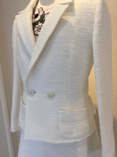 綺麗な色のスーツ_c0223630_17200882.jpg