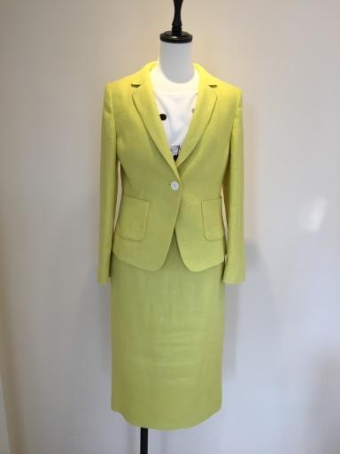 綺麗な色のスーツ_c0223630_17400736.jpg