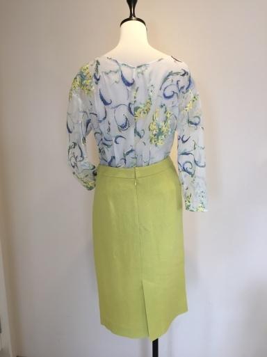 綺麗な色のスーツ_c0223630_17492371.jpg