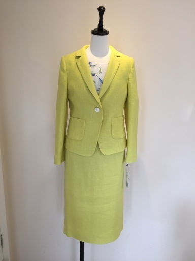 綺麗な色のスーツ_c0223630_17495143.jpg