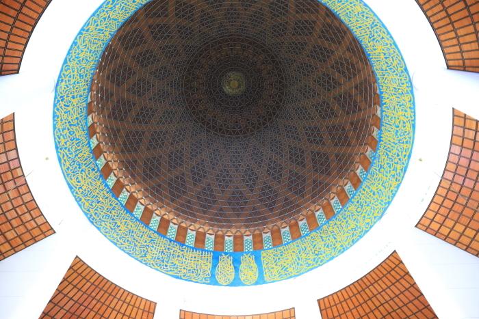【スルタン・サラフディン・アブドゥル・アジズ・シャー・モスク】マレーシア旅行 - 15 -_f0348831_18322913.jpg