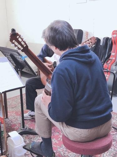 第二の人生にギターを♪_a0136859_10514272.jpeg