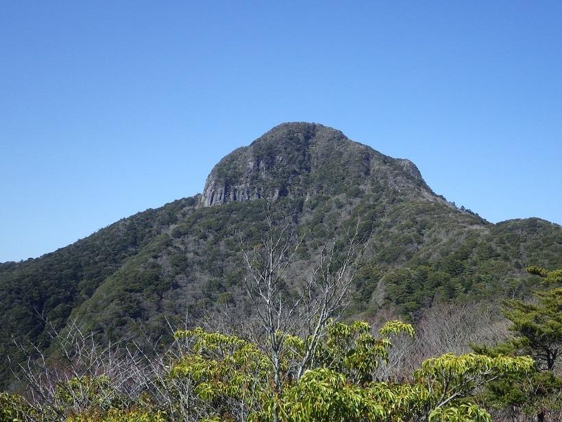 やまびこ会オフ会・・多良岳のはずが経ヶ岳へ_e0164643_16415226.jpg
