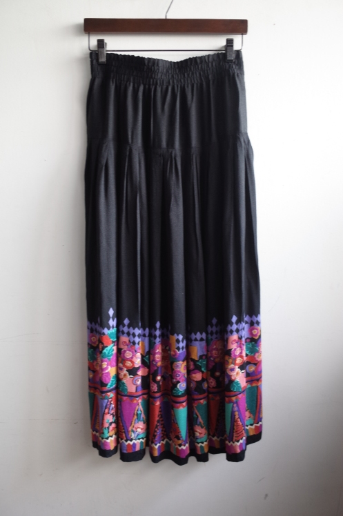 From Vintage Room☆Vintage Skirt☆_e0269968_18595037.jpg