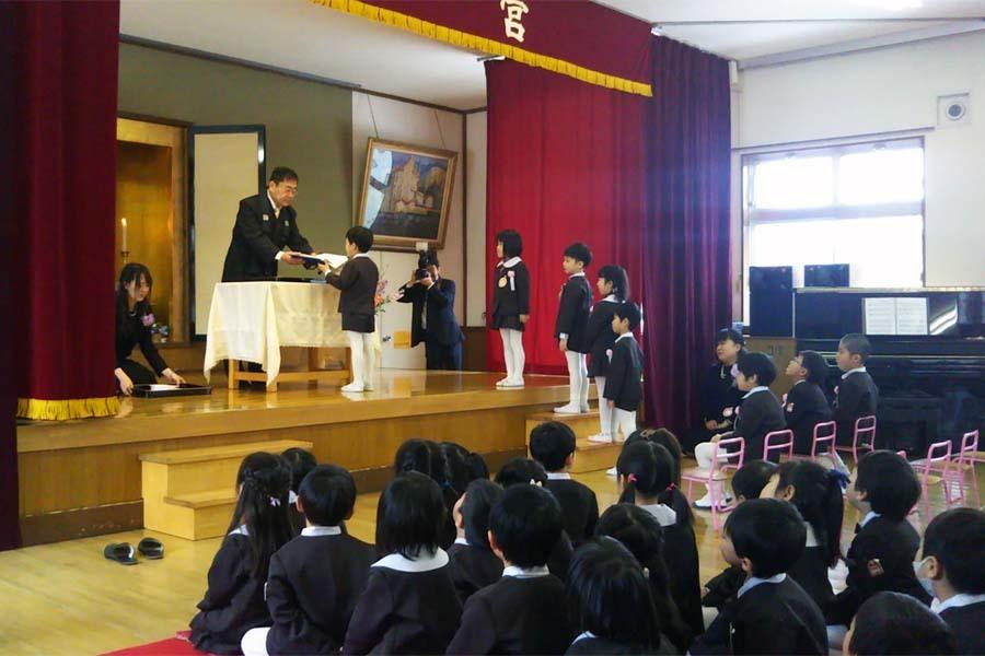 第二幼稚園の「卒園式・修了式」でした。_d0353789_09374081.jpg