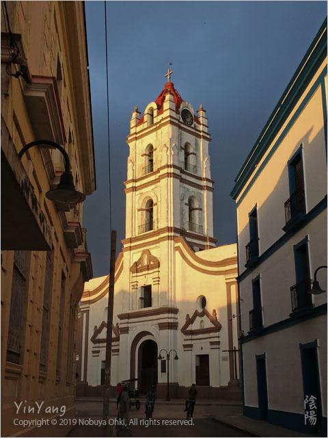 孤独の聖母教会、カマグエイ_e0139738_08334747.jpg