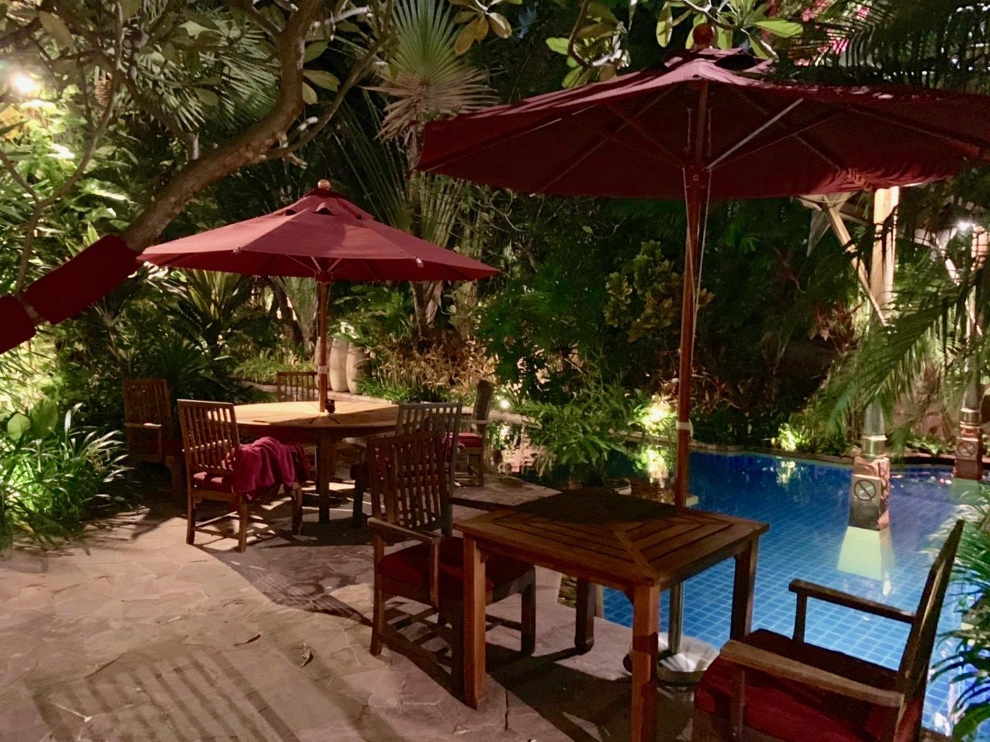 ホテルでプールを楽しむ_b0325640_21290938.jpg