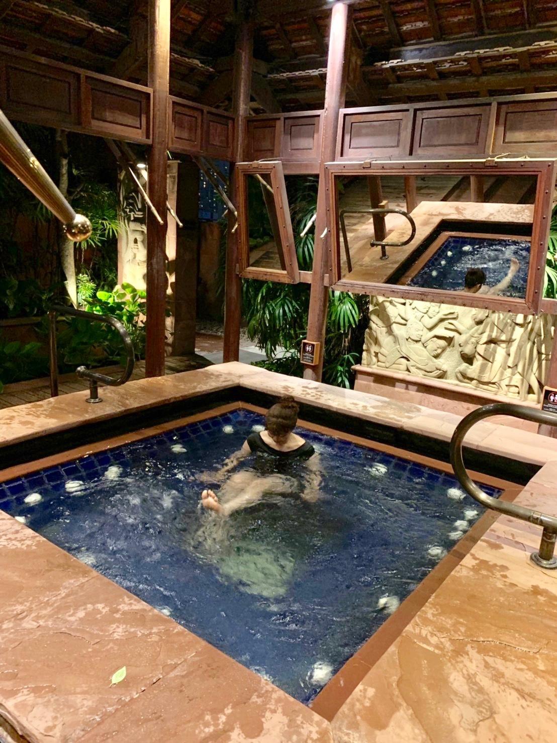ホテルでプールを楽しむ_b0325640_21310146.jpg