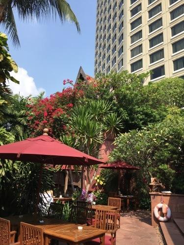 ホテルでプールを楽しむ_b0325640_21451820.jpg