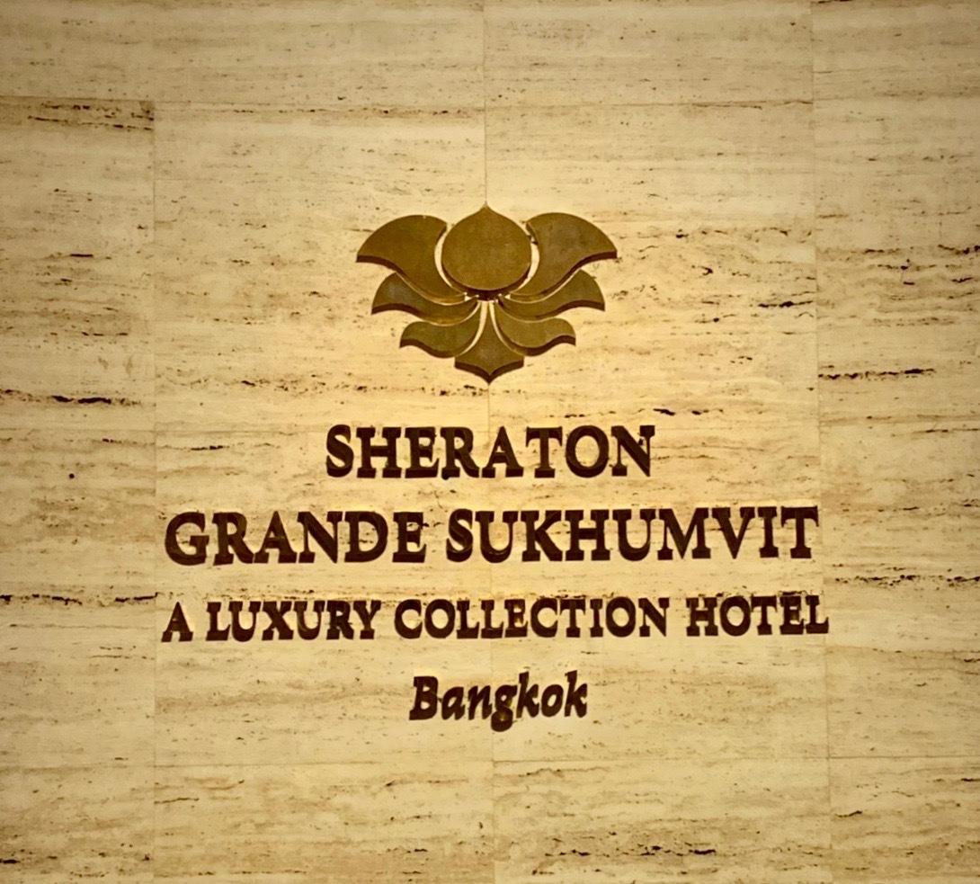 ホテルでプールを楽しむ_b0325640_21480208.jpg