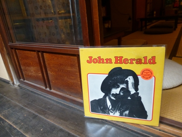 やれやれまいったなあ、john herald_e0230141_18574522.jpg