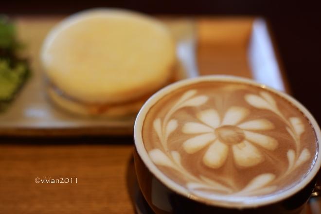 ジャストカフェ(JUST CAFE)~ゆっくりと朝食を~_e0227942_23410149.jpg