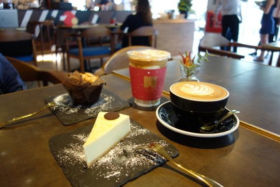シンガポール2019 MELLOWER COFFEEさんでデザート_e0230011_17465163.jpg