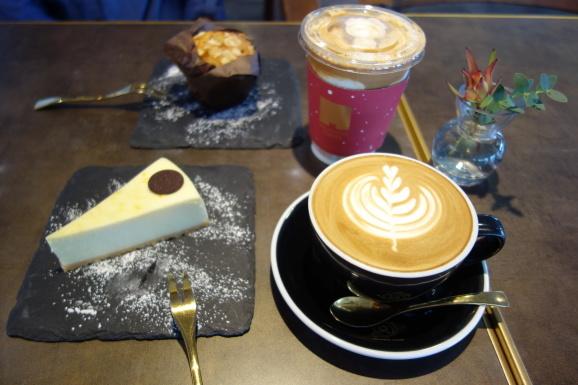 シンガポール2019 MELLOWER COFFEEさんでデザート_e0230011_17474984.jpg