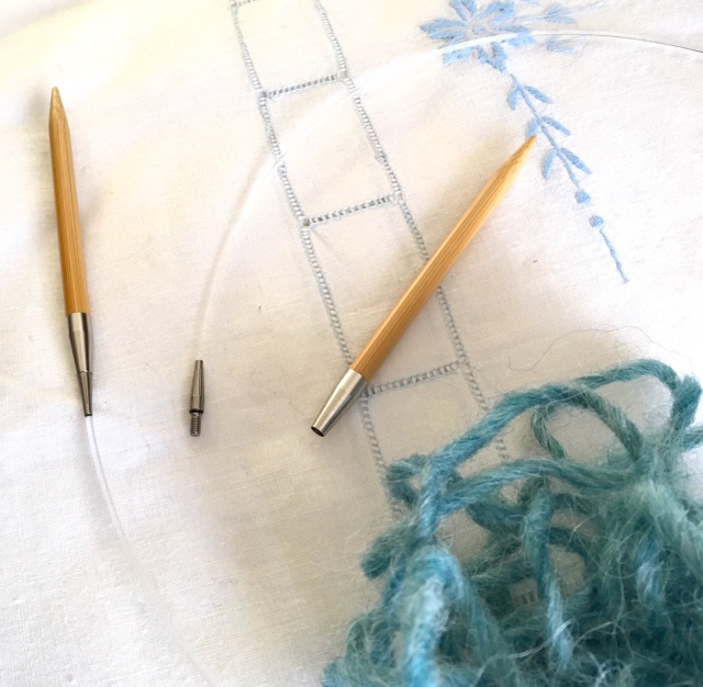 久しぶりの編み物。MIKA MIKA Handicraft lab._b0198131_09552967.jpg