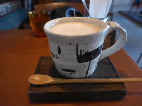 神戸・三宮「カフェ ケシパルーフ」へ行く。_f0232060_19442798.jpg