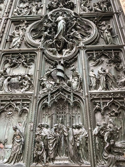 シチリア/ 45  荘厳なミラノ大聖堂 Ⅲ_a0092659_13235618.jpg