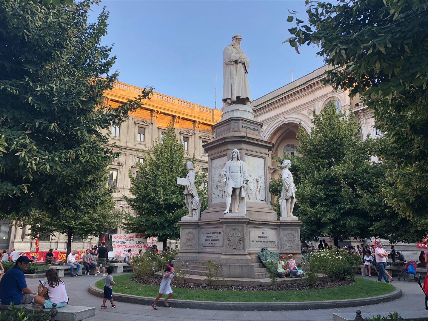 シチリア/ 45  荘厳なミラノ大聖堂 Ⅲ_a0092659_16132524.jpg