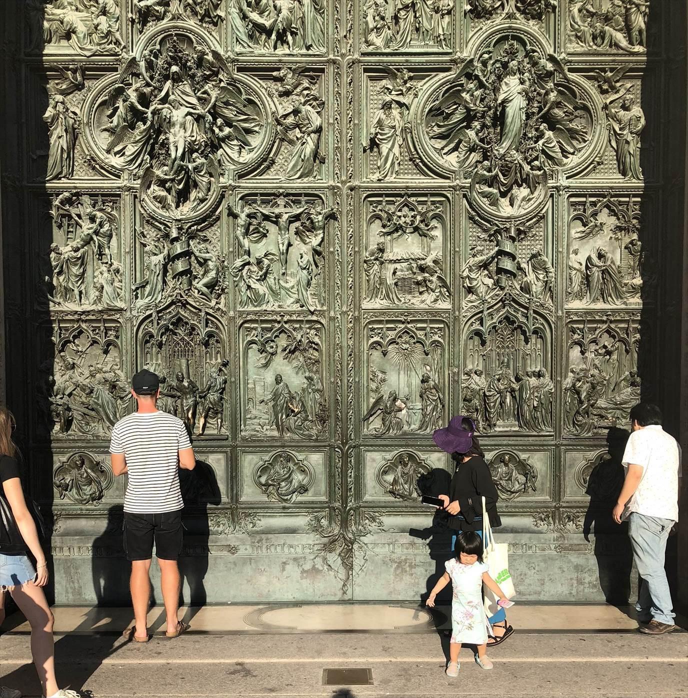シチリア/ 45  荘厳なミラノ大聖堂 Ⅲ_a0092659_19115690.jpg