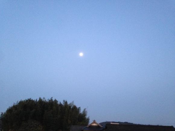 宇宙元旦&満月に***_e0290872_09000266.jpg