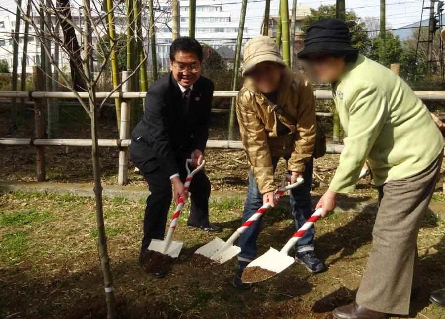 小平市緑と花いっぱい運動の会50周年記念植樹_f0059673_21200492.jpg