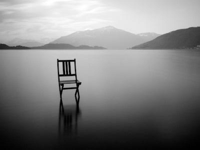 静寂は殺しのサイン/沈黙の響きと沈黙ノートのページをめくる音_c0109850_16530551.jpg