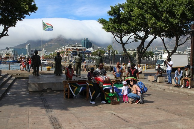 <南アフリカワイン旅行記>本日は南アフリカも祝日なり!_b0016474_01172338.jpg