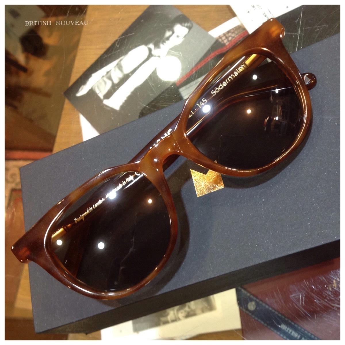 北欧デザイン的sunglasses (≧∀≦)_f0039487_19254428.jpg