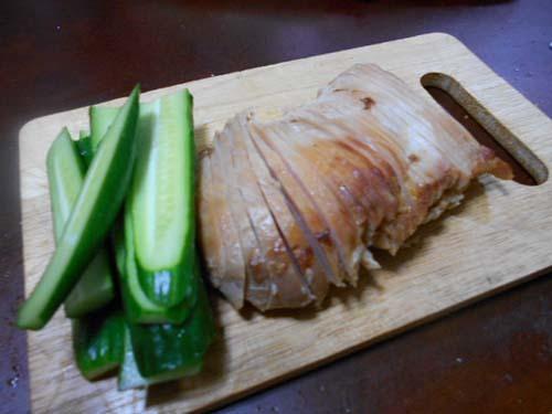 自家製鶏むね肉チャーシューときゅうりのサンドイッチ_f0019498_20550319.jpg