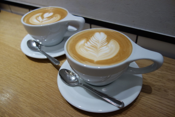 VERVE COFFEEさんでラテ_e0230011_18153371.jpg