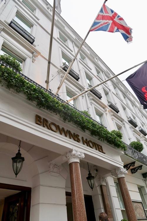 ブラウンズホテルのアフタヌーンティー_f0380234_00512510.jpg