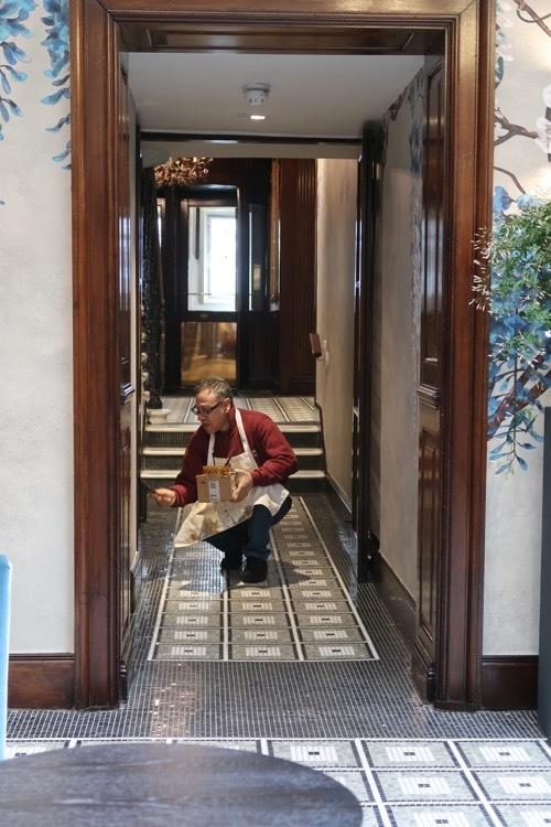 ブラウンズホテルのアフタヌーンティー_f0380234_00545389.jpg