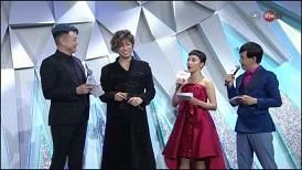 香港:歌ってるGACKTさんやはりカッコイイです!_c0036138_01242774.jpg