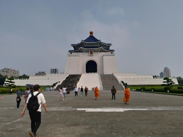 台湾旅行 (2) 中正紀念堂と総統府をめぐる_f0100593_17411205.jpg