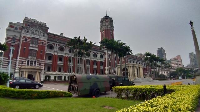 台湾旅行 (2) 中正紀念堂と総統府をめぐる_f0100593_17455290.jpg