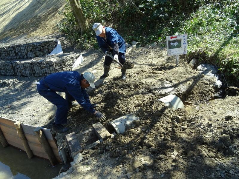 災害復旧工事終了⇒周辺の整備作業に取り掛かった・・・うみべの森_c0108460_18421136.jpg