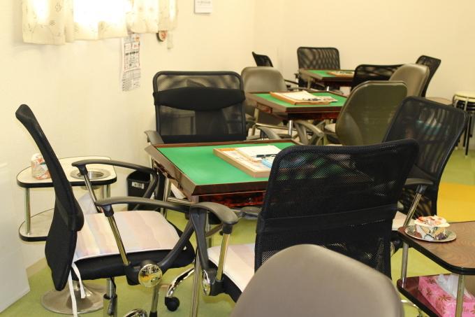 麻将用の椅子を新規に設置しました。_b0369489_22300667.jpg