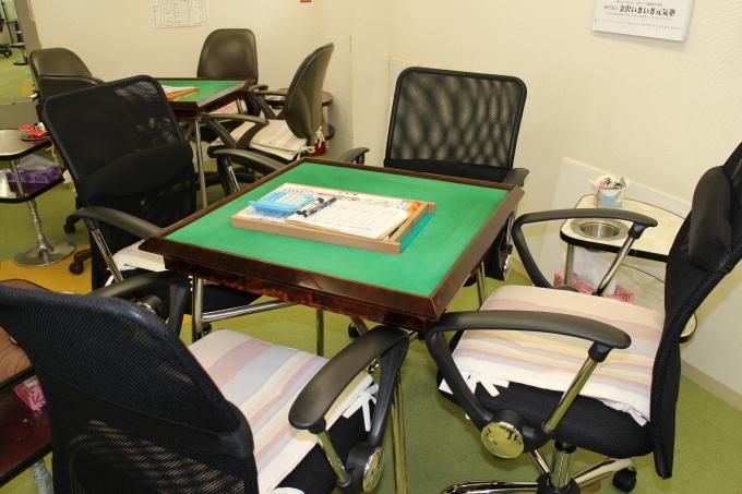麻将用の椅子を新規に設置しました。_b0369489_22302418.jpg