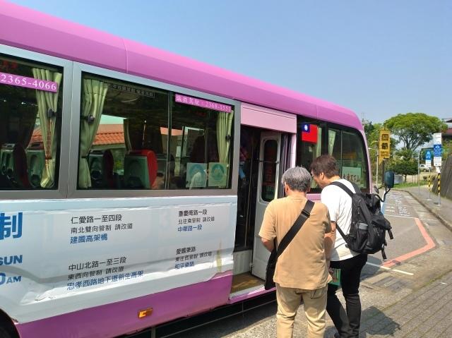 台湾旅行 (3) 猫空ロープウェイで登って樟樹歩道で茶畑を散歩する_f0100593_16470352.jpg