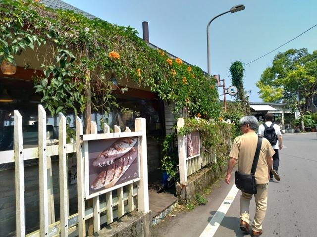 台湾旅行 (3) 猫空ロープウェイで登って樟樹歩道で茶畑を散歩する_f0100593_16472583.jpg