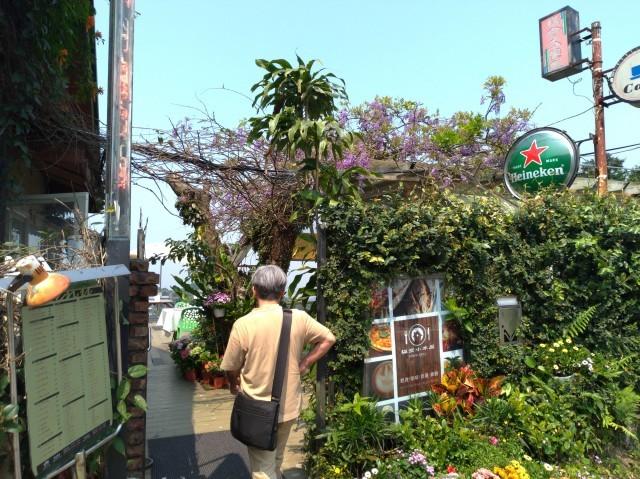 台湾旅行 (3) 猫空ロープウェイで登って樟樹歩道で茶畑を散歩する_f0100593_16473586.jpg