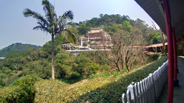 台湾旅行 (4) 目指せ開運、指南宮と龍山寺のお寺巡り_f0100593_17064685.jpg