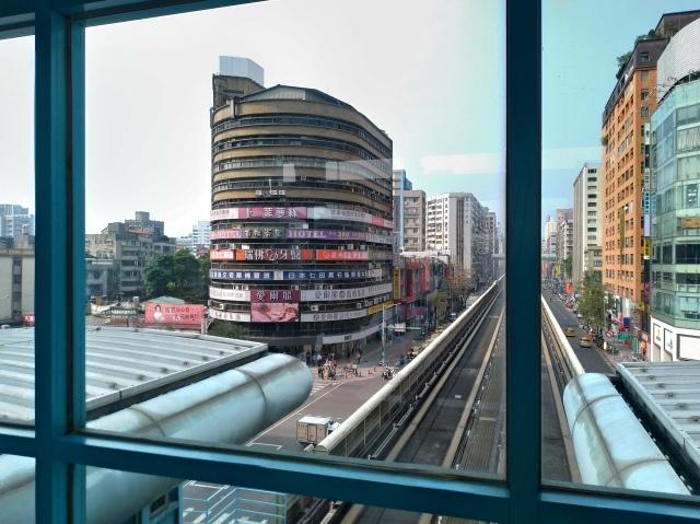 台湾旅行 (4) 目指せ開運、指南宮と龍山寺のお寺巡り_f0100593_17072399.jpg